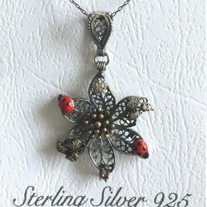 925 K Sterling Silver Flower and Lady Bug necklace